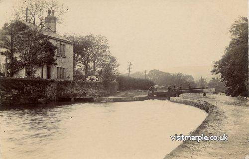 Glen Cottage at Lock 6, demolished in the 1960s.
