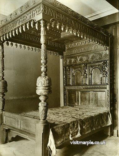 The magnificent carved oak John Bradshawe bed in 1919.