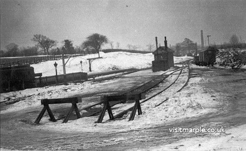 Snow in Marple - January / February 1940. Rose Hill Station.